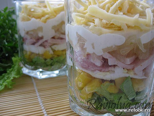 Слоеные салаты в бокалах рецепты