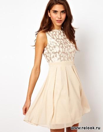 Платье завышенной талией с пышной юбкой