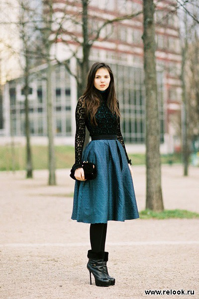 С чем носить широкие юбки миди