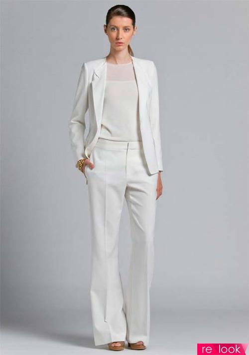 Белый брючный костюм женский