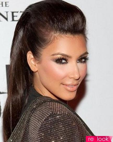Причёска на выпрямленные волосы