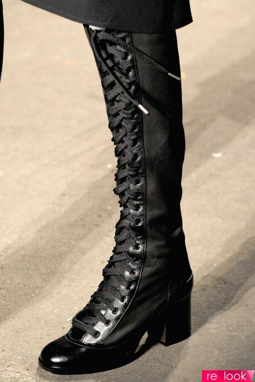 Ботинки высокие на шнурках купить в Саратовской